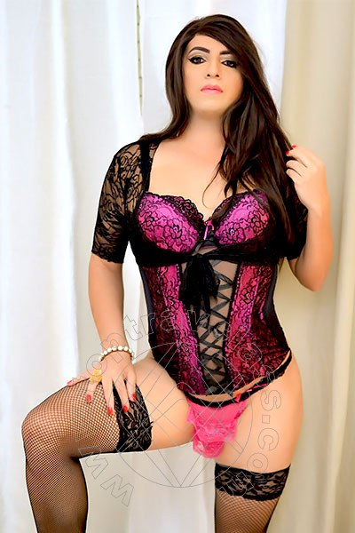 Sarah  MILANO 3512338112